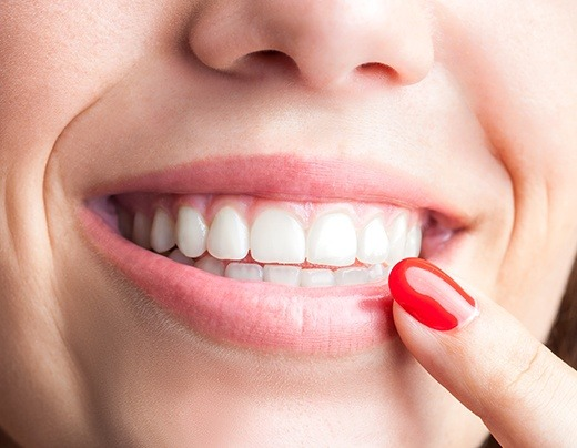Healthy smile thanks to periodontal maintenance